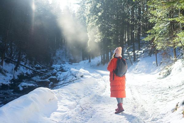 Sport zimą. Jak skompletować odpowiednie ubranie