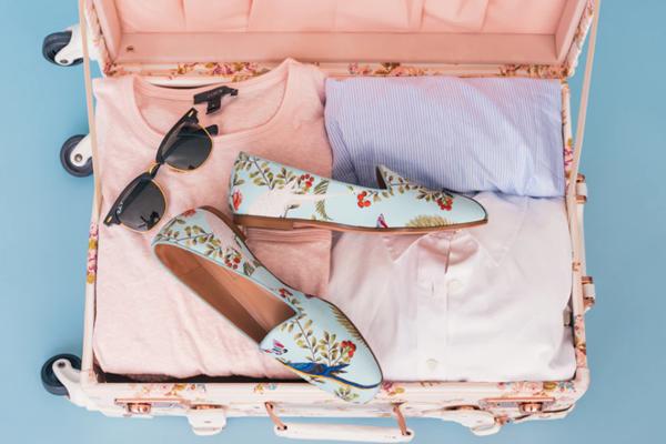 Bluzy w pastelowych kolorach – czy sprawdzą się na lato?
